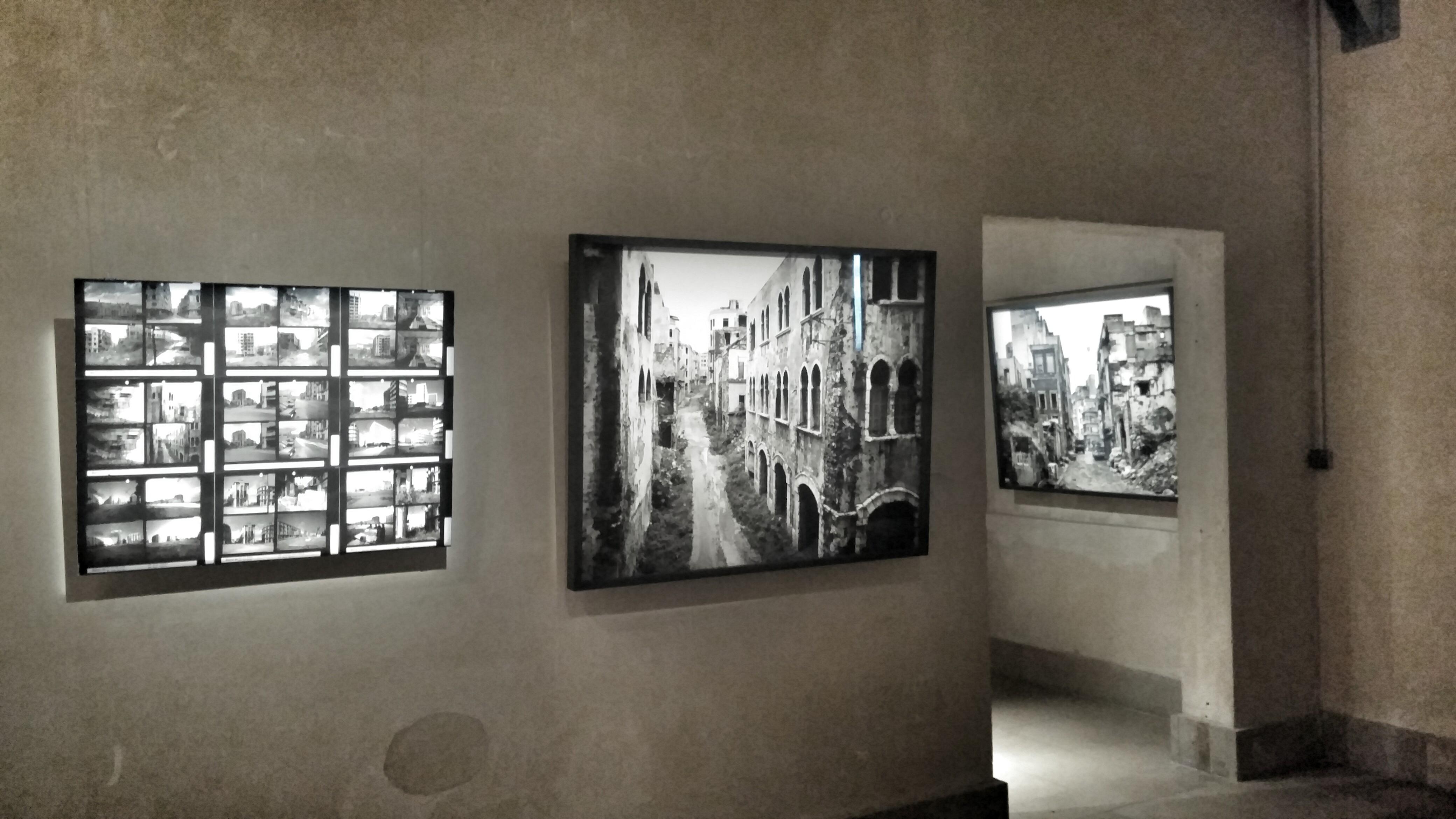 Vue de l'exposition Beyrouth 1991 de Gabriele Basilico à l'Abbaye de  Jumièges